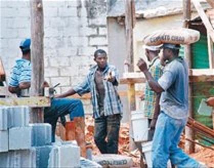 Aumentan salario mínimo a trabajadores construcción en RD